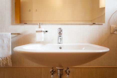 Clean faucet